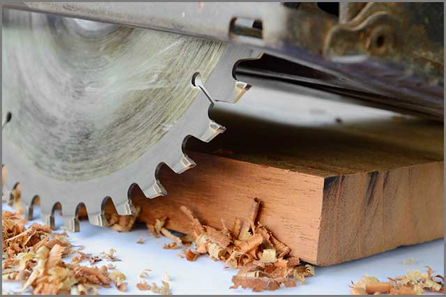 This image has a connotation of blade speed because it's a table saw