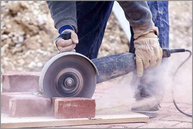 Cutting brick pavers with a saw blade