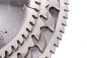 Various styles of saw blades