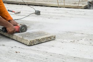 Slitting saw used for house construction
