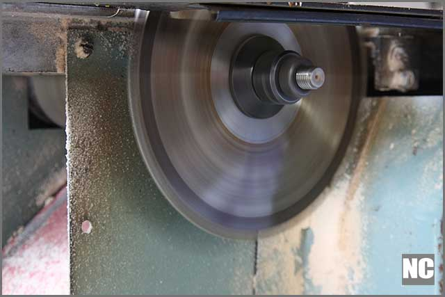 Carbide-tipped rotary saw blade
