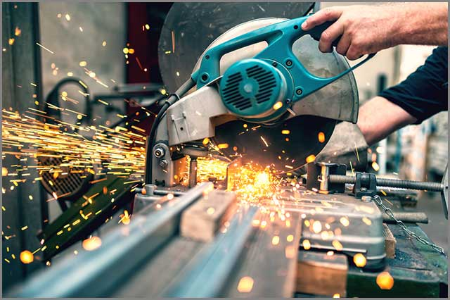Industrial working using the miter saw