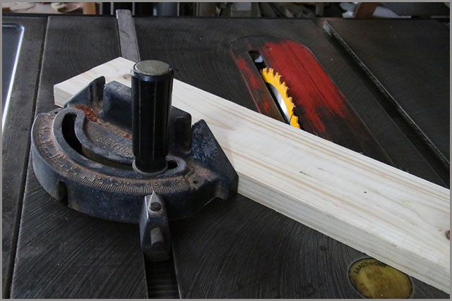 Featherboard on a table saw.