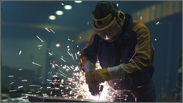 Stay safe while using an angle grinder