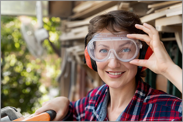 How to Cut Wood--Protective goggles